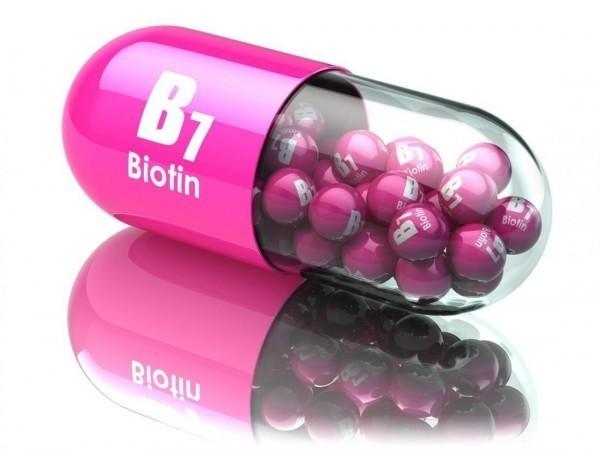 2. 비오틴  비오틴은 비타민B 콤플렉스의 하나로 적혈구의 생성과 남성호르몬 분비에 관여한다.  지루성 피부염에도 도움되며, 모발을 건강하게 만들어준다.
